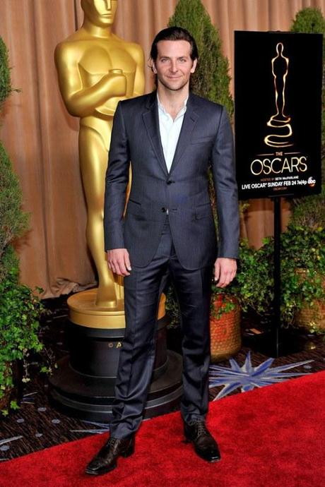 Bradley-cooper-45th-oscars-open-shirt