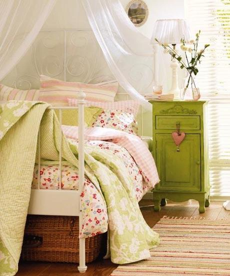 decor bed linens4 Decorating Your Bedroom by Updating your Linens HomeSpirations