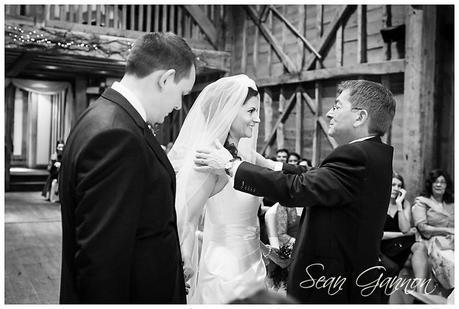 Tewin Bury Farm Wedding Phtographs Sean Gannon 014