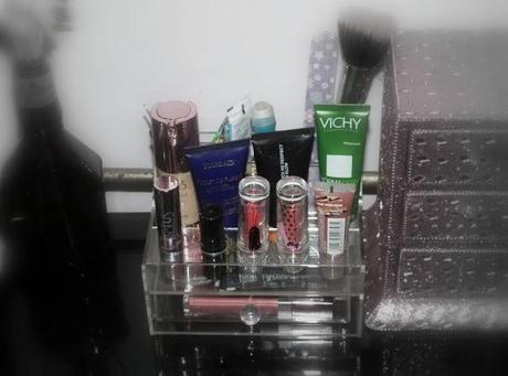 acrylic sets available in India for organizing makeup