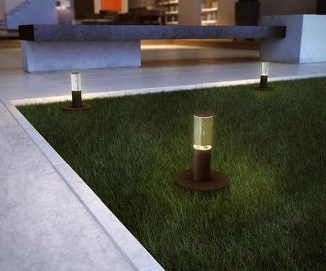 landscape design retractable solar lamps4 Improving your Landscape Design with Solar Lights that Pop Up! HomeSpirations