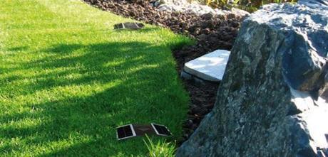 landscape design retractable solar lamps3 Improving your Landscape Design with Solar Lights that Pop Up! HomeSpirations