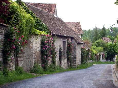 Street scene on our walk to Claude Monet gardens in Giverny -  France