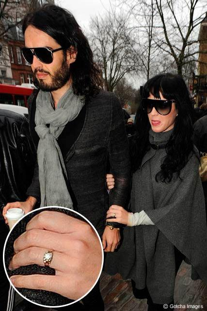 Katy-Perry-and-Russell-Brand-engagement-ring1