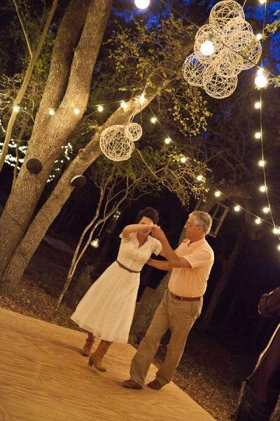 Charming Wedding D Cor For Backyard Weddings Paperblog