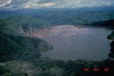 Lakes that kill photo by Jack Lockwood, 1986 (U.S. Geological Survey)