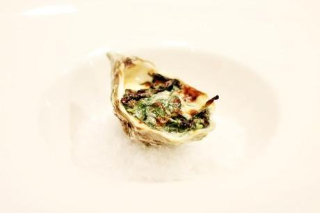 Gratinated oyster with spinach and parmesan # 64