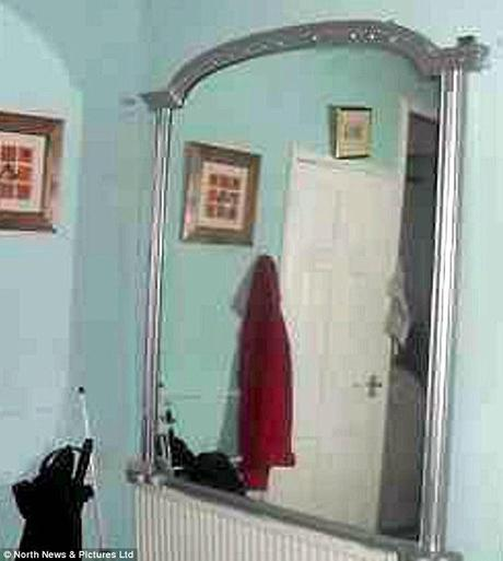eBay: Haunted Mirror Sells For $155