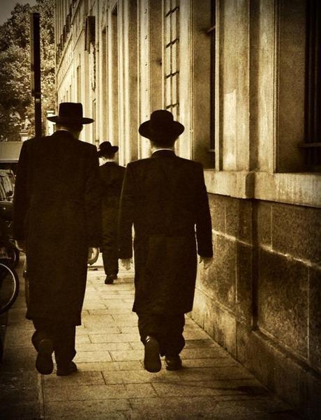 Saturday Morning Shabat Shalom © Eva Charbit