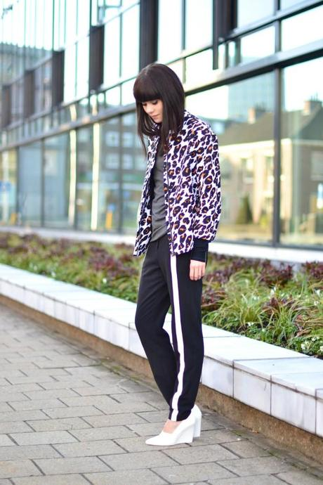 outfit sports luxe trend track pants leopard