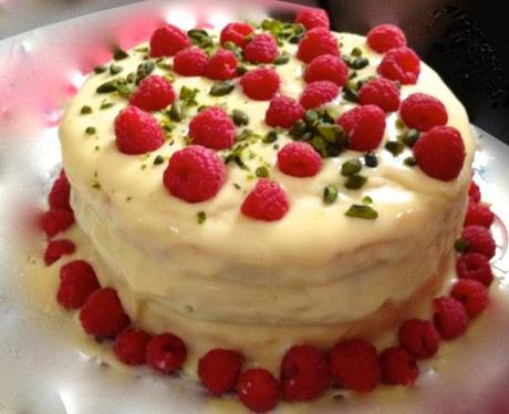 White Chocolate, Raspberry and Pistachio Cake