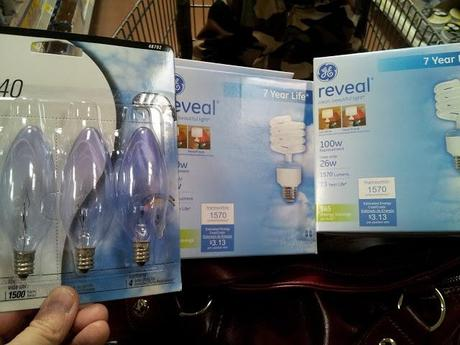 our family room mini-makeover with GE Reveal Light Bulbs #CBias #SocialFabric