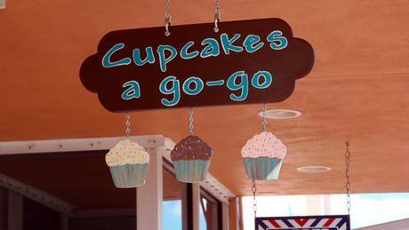 cupcake go 08 0 Cupcakes A Go Go (Cupcake of the week)
