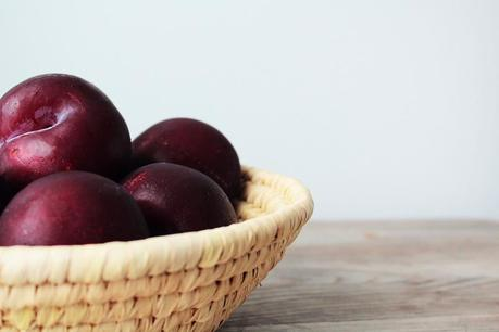 Plums, recipe, with balsamic syrup, aldy moyla photography, copyright