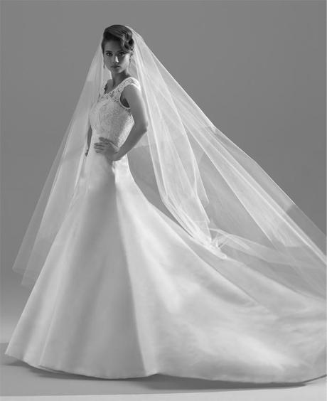 wedding dress blog UK Sassi Holford (5)