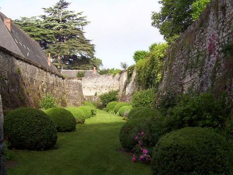 Château de la Bourdaisière - gardens between inner and outer castle walls -  Loire Valley - France