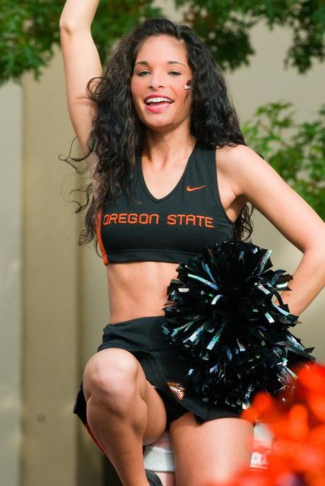 Oregon State Cheerleaders