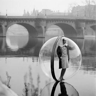 Excuse me ~ I'm in a bubble
