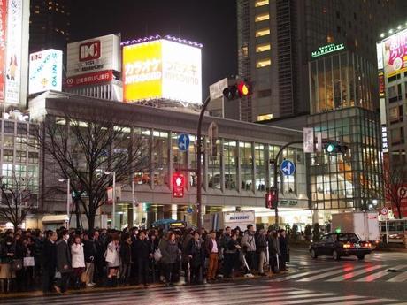 P20603041 渋谷に残る狭小なディープな横丁,のんべえ横丁 / Nonbei Yokochoh,nostalgic back alley,in Shibuya