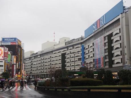 P2060211 消えつつある池袋の横丁 /  attractive alleys are disappearing from Ikebukuro,metropolitan city