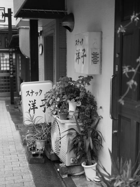 P2060136 消えつつある池袋の横丁 /  attractive alleys are disappearing from Ikebukuro,metropolitan city