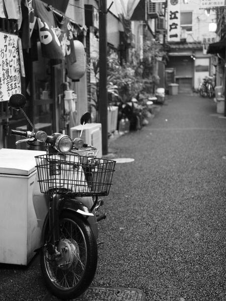 P2060183 消えつつある池袋の横丁 /  attractive alleys are disappearing from Ikebukuro,metropolitan city