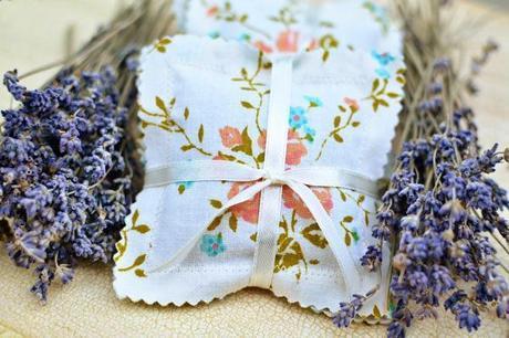 Swoon Worthy DIY Wedding Favors