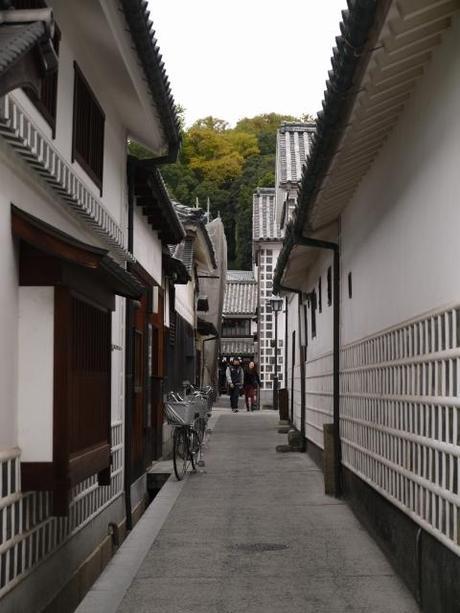 P10109021 白壁が眩しい倉敷美観地区 / Kurashiki , beautiful sight area