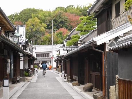 P10108751 白壁が眩しい倉敷美観地区 / Kurashiki , beautiful sight area
