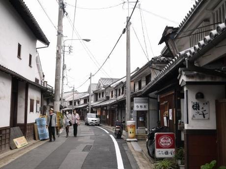 P10108531 白壁が眩しい倉敷美観地区 / Kurashiki , beautiful sight area