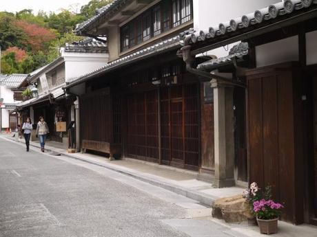 P10108771 白壁が眩しい倉敷美観地区 / Kurashiki , beautiful sight area
