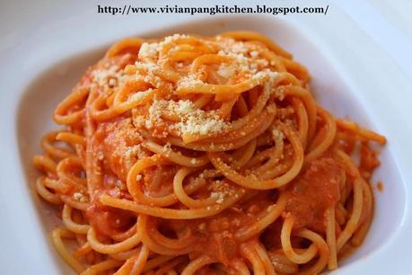 Pasta with Tomato Cream Sauce - Paperblog