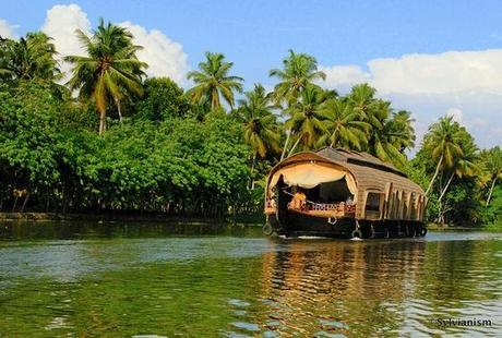 Kerala Houseboat Cruise – Have a Date with Nature