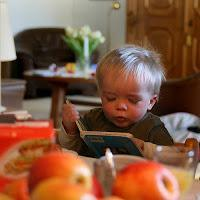 It's World Book Day! 3 Ways to Inspire Reading at Home