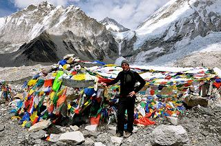 Trek To Everest Base Camp And Raise Funds For Orphans At The Same Time!