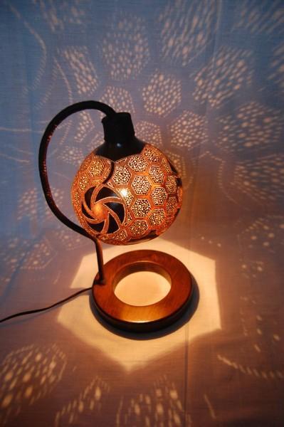 Arredare etnico oggetti etnici in metallo for Oggetti d arredo per la casa