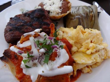 Breakfast at Villa del Palmar at the Islands of Loreto