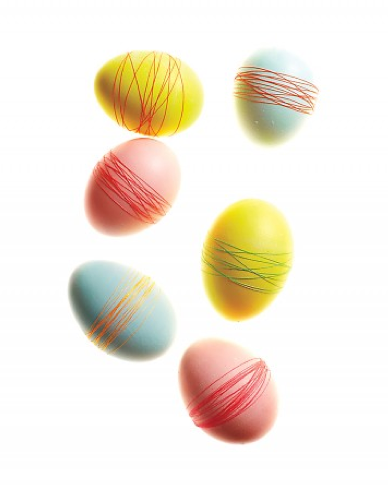 DIY Thread wrapped eggs