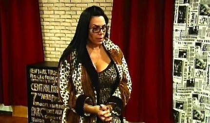Mob Wives: Corsets And Cassettes. It's The Calm Before The Desert Storm. Oh…And Yo Mama Does Krav Maga.