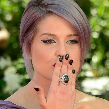 Kelly Osbourne Nails, kelly osbourne, kelly osbourne azature, kelly osbourne black diamonds