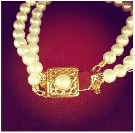pearl necklace1920s Style: Costume Jewelry Chic