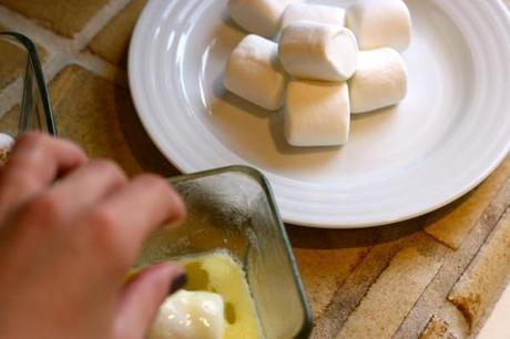 Gooey-Marshmellow-Puffs-Easter-Entertaining-Simple-Recipe-Holiday-Rolls-Bread-Baking-Butter-2