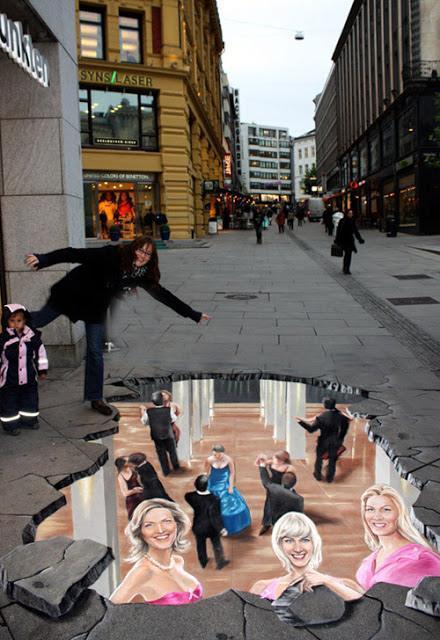 Road 3D arts-Anti-AIDS-campaign