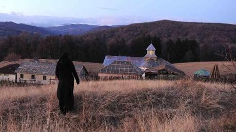 1_e_Cristian-Mungiu-_Beyond-the-Hills