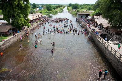 Battambang river bathing