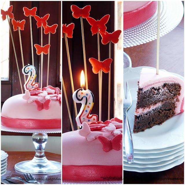 Butterfly Strawberry Chocolate Fondant Cake