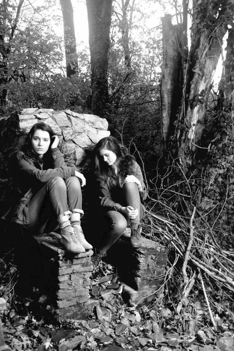 lily madeleine LILY & MADELEINES SWEET, SOPHISTICATED SOUND [STREAM]