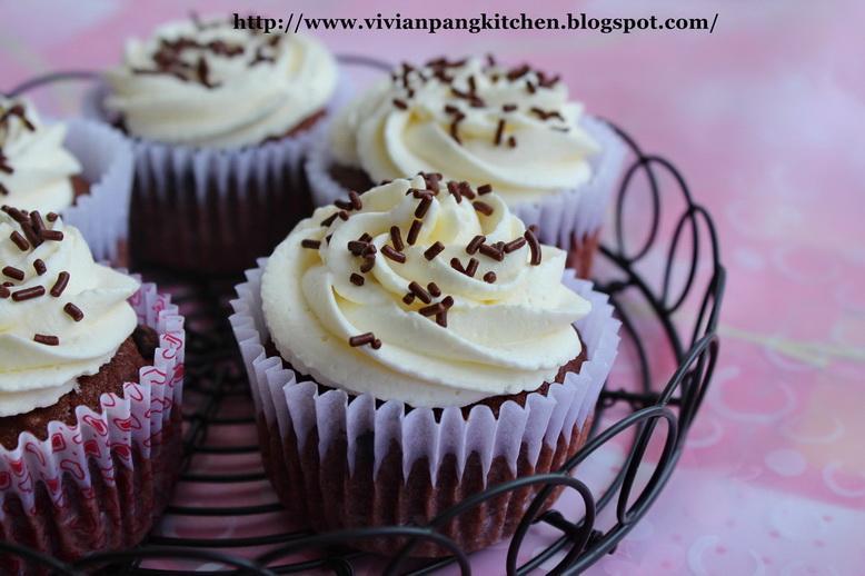 Deep Chocolate Pound Cake - Paperblog