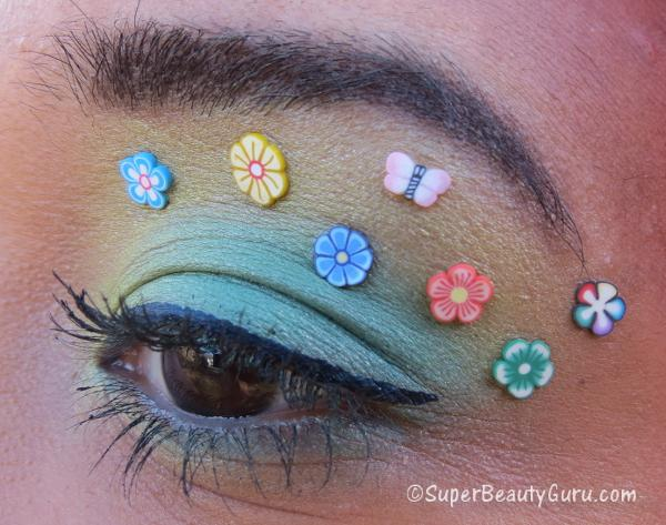How to do Colorful Floral Eye Makeup