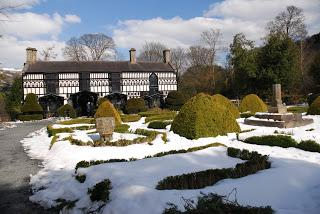 Miss Ponsonby, Miss Butler and a snowy Plas Newydd